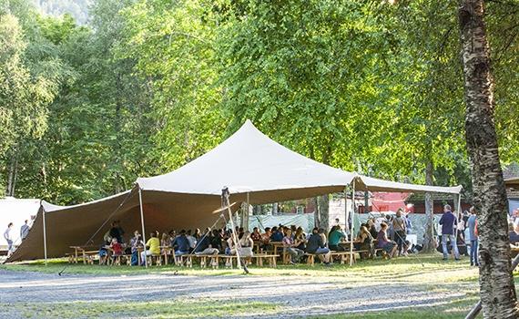 Festivaltelt på Malakoff.