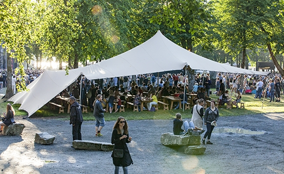 Festival seil på Malakoff i Nordfjordeid.